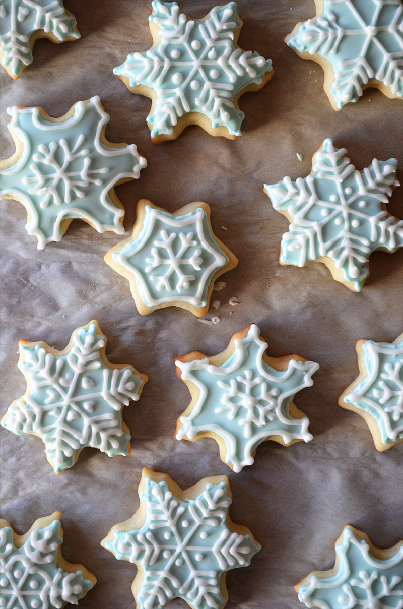 Sugar Cookies with Royal Icing | Sprig and Flours